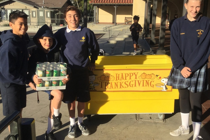 Student Council Leads Thanksgiving Food Drive